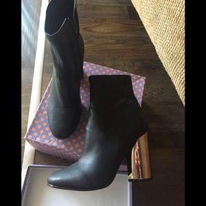 Aldo metallic heel boots